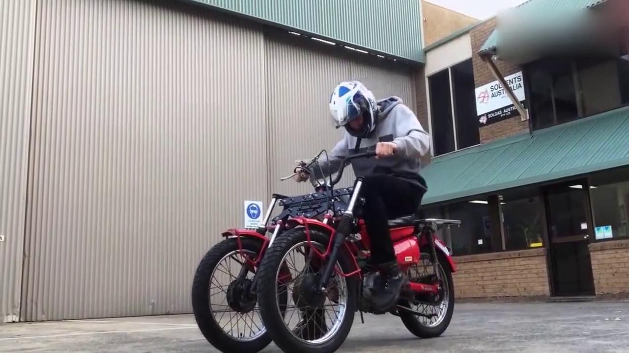 再也不怕骑三轮车出门被人笑话了!这个三轮摩托车太酷
