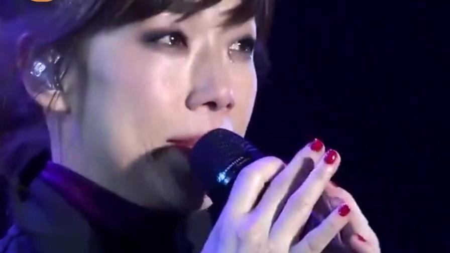 她当初离婚为前夫演唱的歌,谁知一夜红遍全国,无数人听完泪奔
