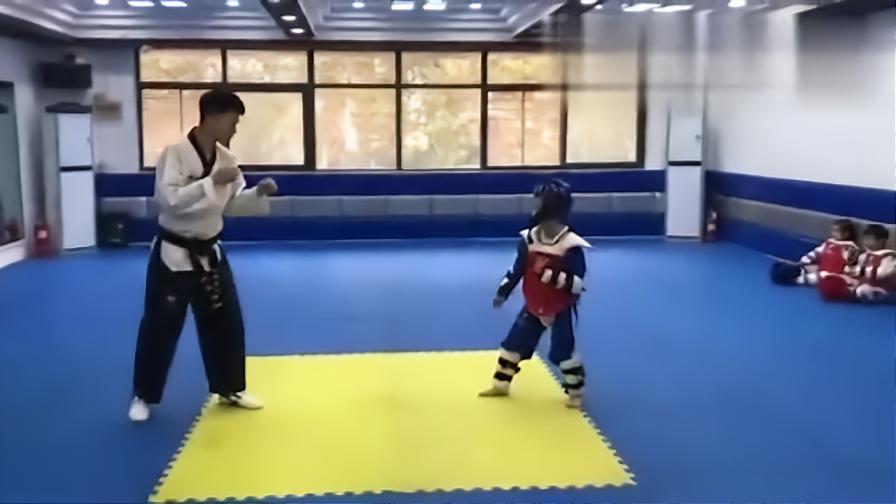 我太难了摧毁了一个孩子的跆拳道梦孩子:我是谁我在哪