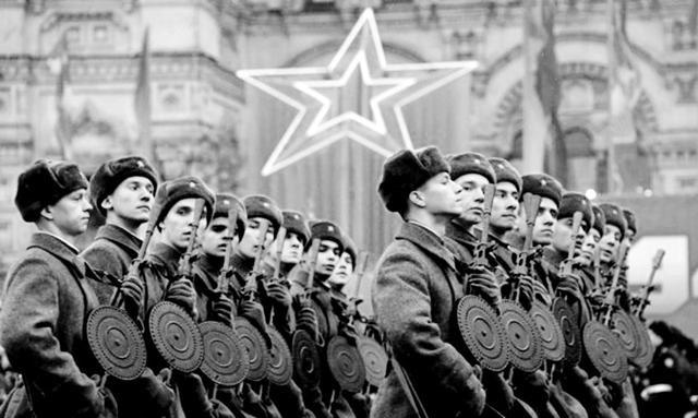 魔域私服外挂贴吧二战苏德战争,苏军除组建近卫部队外,为何还要组建突击集团军?