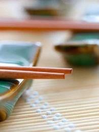 关于筷子的习俗禁忌你知道多少?有人竟为此丢掉性命剧照
